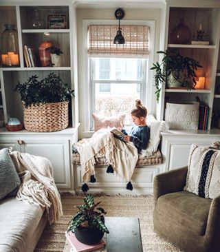 Answers To Most Asked Bedding Questions Small Living Rooms Home Living Room Interior