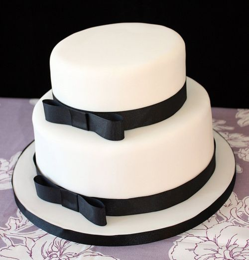 cute plain black and white cake