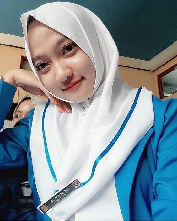 Jual Jilbab Segi Empat Satin Motif di Aceh Jaya