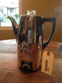 MID CENTURY SUNBEAM COFFEE POT IN GOOD CONDITION, HAS NO CORD. BAKELITE HANDLE
