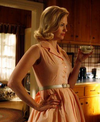 Betty Draper Mad Men Sleeveless Shirtdress http://tinotopia.com/wordpress/wp-content/uploads/2009/10/Betty-Draper-3-mad-men.jpg