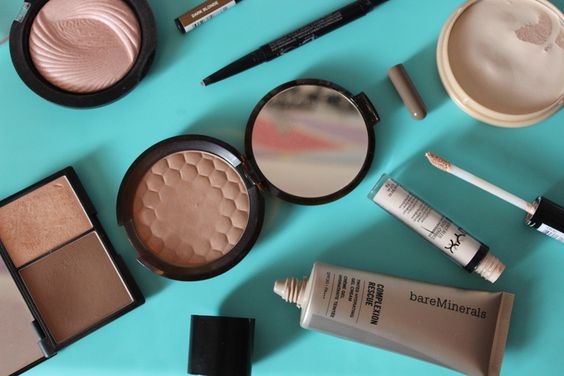 BEAUTY: The ultimate face base products including the BareMinerals Complexion Rescue, the Sleek Contour Kit, NYX Concealer and Make Up Rev Highlighter #bbloggers #makeup #beauty