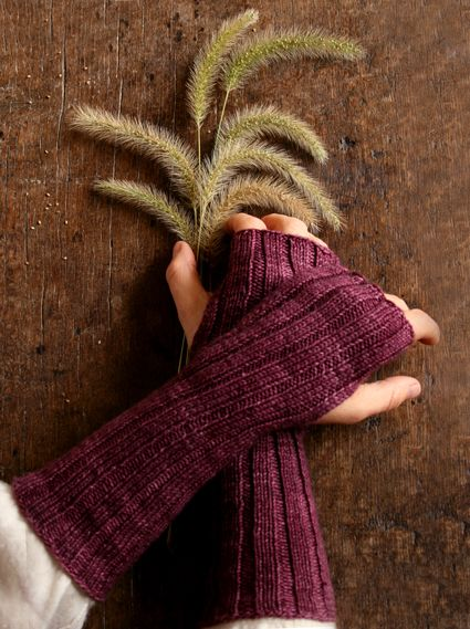 Ribbed Hand Warmers Pattern