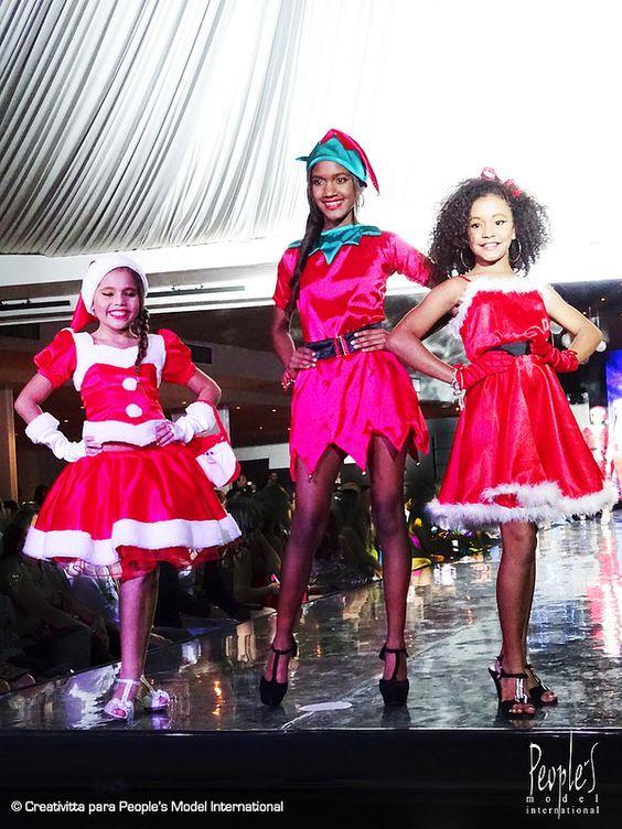 Desfile de graduación de la promoción XXIII de modelos. Agencia People's Model International