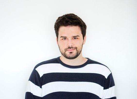 Pedro Gabriel, o poeta dos guardanapos, lança livro e conversa com o público neste domingo, 13, em shopping de Brasília