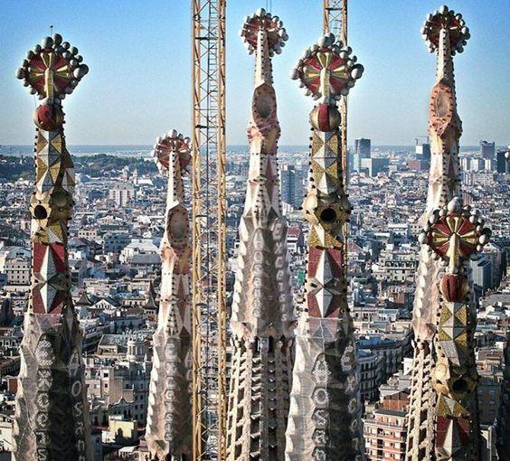 Síguenos en Facebook para estar al día: #buenasnoches desde #Barcelona  #goodnight #kiss #sagradafamilia #gaudi #bcn #mycity #night night  https://www.instagram.com/p/BEMlDvuDvgV/