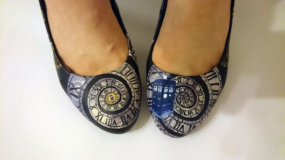 Doctor Who Steampunk TARDIS shoes. J'adore