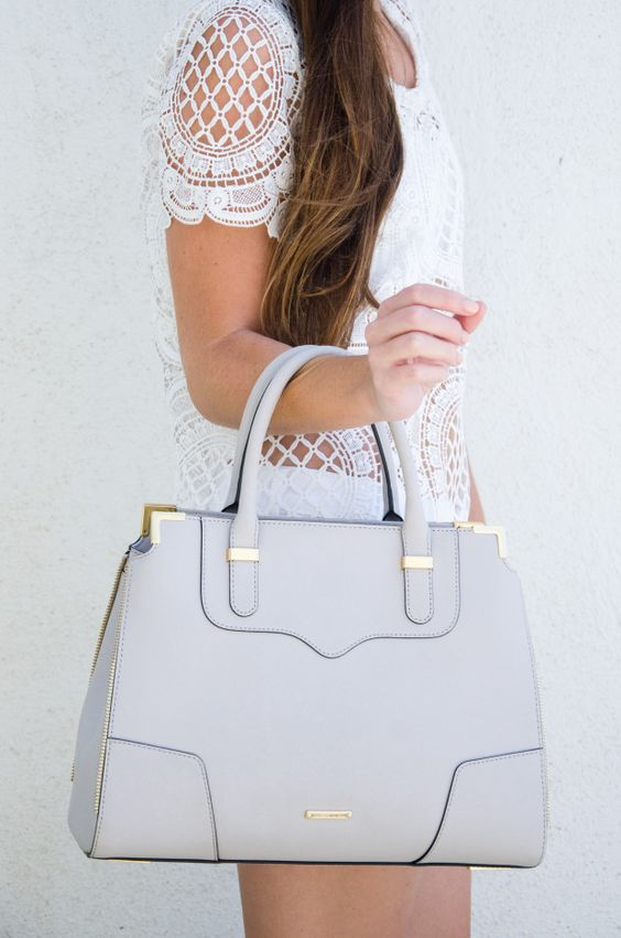 18 Purse Essentials Every Woman Needs in Her Bag