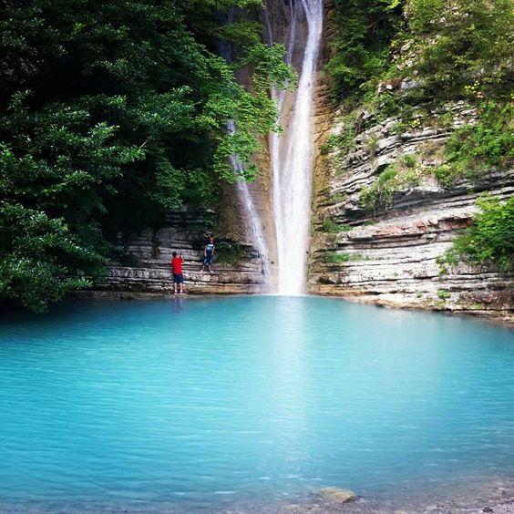 Erfelek Waterfall, Sinop ⚓ Blacksea Region of Turkey | Schwarzmeerregion der Türkei #karadeniz #doğukaradeniz #sinop #travel #nature #waterfall #amazons #tzaniti (Photo: Büşra Demir)