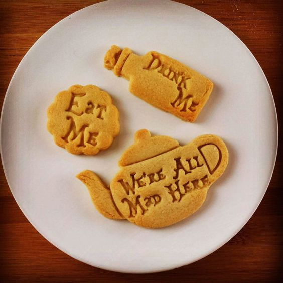 Alice in the Wonderland drink me inspired cookies cutters | Through the Looking Glass we are all mad here biscuits cutter one of a kind ooak: