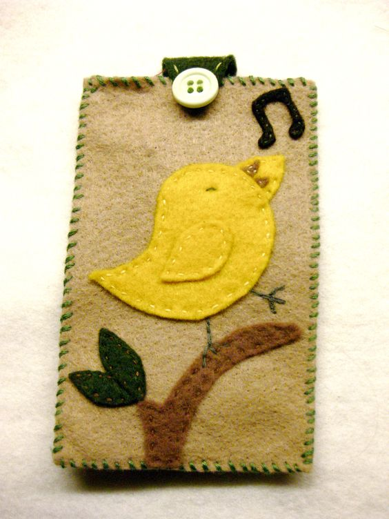 A happy yellow bird to sing along with your iPod/iPhone!