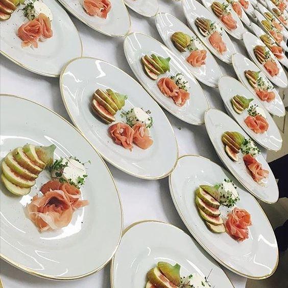 Sempre cheia de charme e elegância @aninhagonzalezgastronomia para @vancleefarpels  #gastronomia #delicadeza #charme #joias #dfilipa