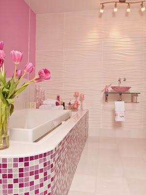Not a fan of pink but I like how they did this room
