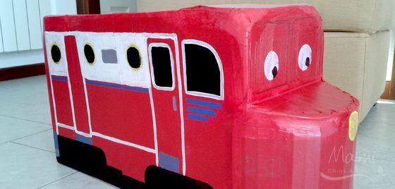 Un costume di carnevale riciclando una scatola di cartone,  ancora non lo avevamo realizzato. Ecco: Wilson, il trenino rosso di Chuggin...