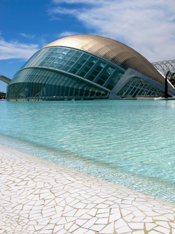 Ciudad de las Artes y las Ciencias/The City of Arts and Sciences. Valencia, Spain.