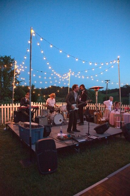 live band outdoor entertaining