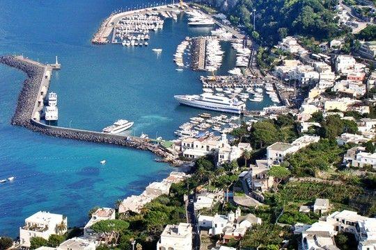 A ilha de Capri, na Itália: 63% dos quartos dos hotéis estão ocupados por brasileiros  (Foto: Divulgação)