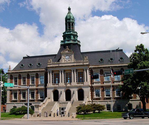 Grand Island Courthouse