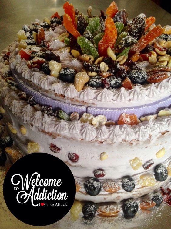 #Nakedcake #ilovecakeattack #lavanda #fruit #nuts #blueberry #kiwi #feliznocumpleaños #crazycake #artisticake  #originalcake  #delicious