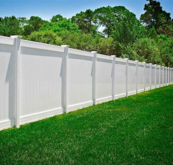 White Vinyl Fence By Illusions Fence In 2020 Fence Design Privacy Fence Designs Backyard Privacy