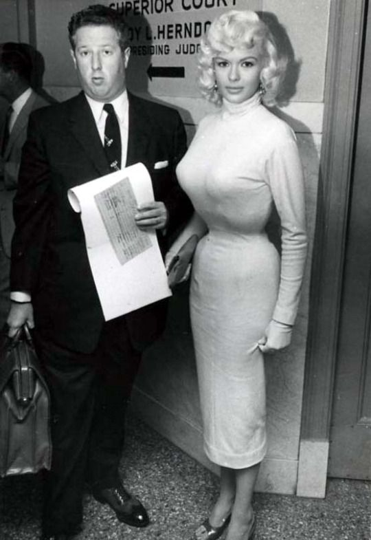 On the day of her divorce from Paul Mansfield