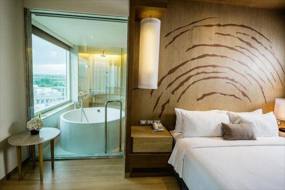 รีวิวโรงแรมโมเว่นพิคพัทยาห้อง execuite suite ราคาโปรโมชั่น