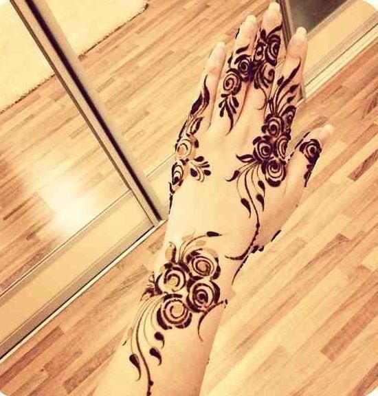 Gambar Henna Tangan Simple