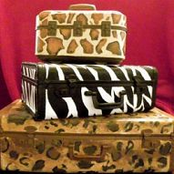 Hometalk :: These are some old suitcases that I found here and there....painted th…