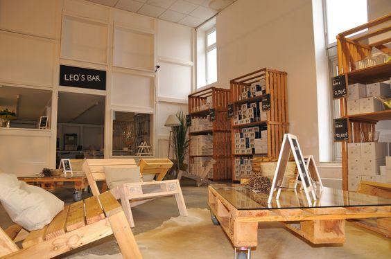 """kimidori – schöne Möbel mit gutem Gewissen präsentieren sich in der """"MANIFATTURA"""" von LEONARDO © 2013 LEONARDO / glaskoch B. Koch jr. GmbH & Co. KG http://www.kimidori.de #Europalette #Palette #Moebel #Design #Nachhaltig #Berlin #Retail"""