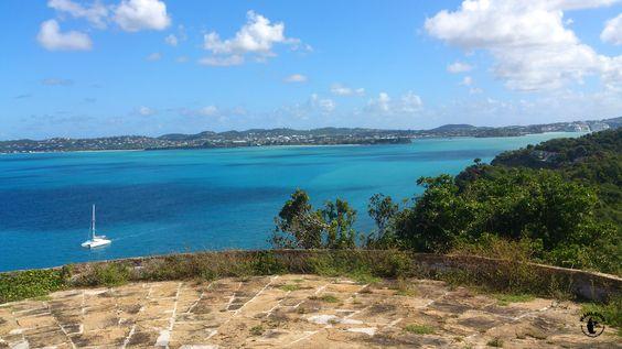 Aussicht auf eine Bucht mit Ihrem kristallklarem Wasser - Einfach nur WOW!