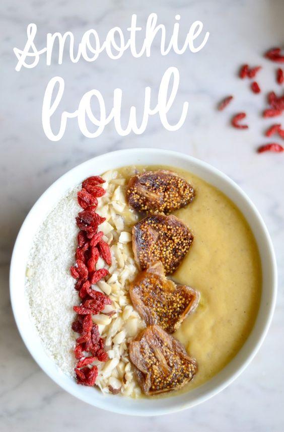 Petit d j 39 sain facile le smoothie bowl alimentation saine pinterest jus et smoothies - Idee petit dejeuner sain ...