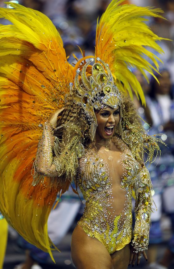 Rio Carnival 2014: Hottest Pictures of Beautiful Brazilian Samba Dancers on Parade
