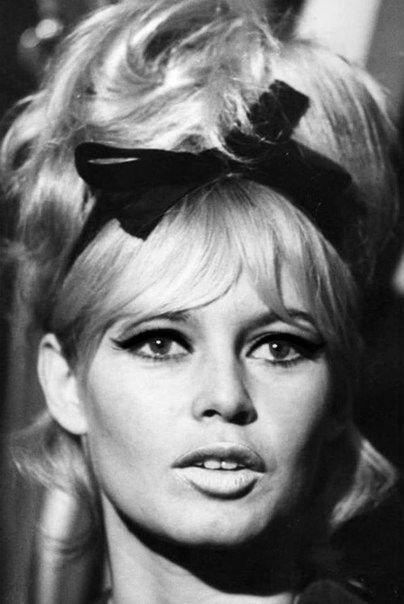 Brigitte Bardot // black head band, bow and flicks, winged eyeliner