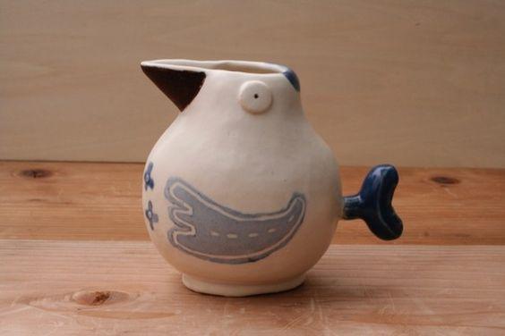 ミルクを入れたり、ドレッシングを入れたりして使える陶器のぽってりしたミニピッチャーです。その他、花器にもなります。サイズ:幅9cm×奥行き6cm&...|ハンドメイド、手作り、手仕事品の通販・販売・購入ならCreema。