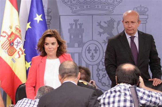 Sáenz de Santamaría desmiente que el Gobierno vaya a congelar las pensiones vía @cerestv