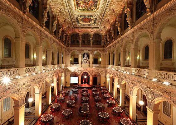 CCI Lyon Métroploe, soirée de gala caritative - France Humanitaire #lieuxdereception #CCILM #lyon #gala #gastronomie #lapotinière
