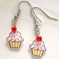 21 Awesome Mother's Day Gifts You Can Make Yourself: Cupcake Earrings Craft