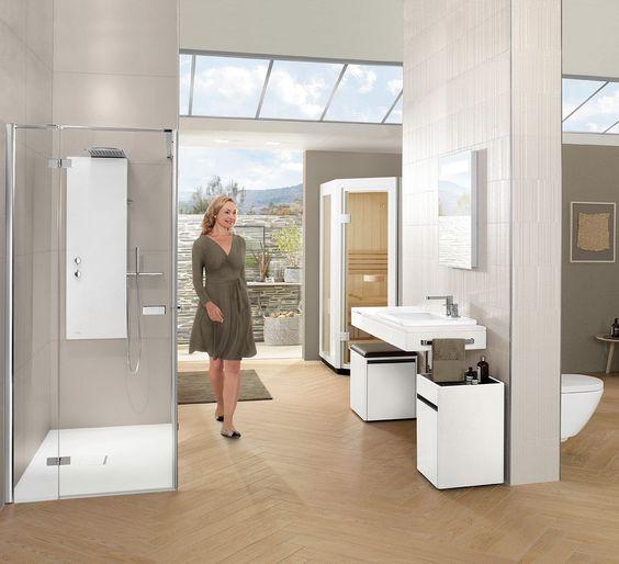 Baño moderno / de cerámica - VIVIA - Villeroy & Boch - Vídeos. En este baño hay algo que quería introducir en el mío hace tiempo. El lavabo incluye en su parte izquierda una zona de tocador que se levanta y contiene un espejo y compartimentos para almacenar las pinturas y productos de belleza. El mueble de la izquierda que está bajo el lavabo sirve de asiento para maquillarse.