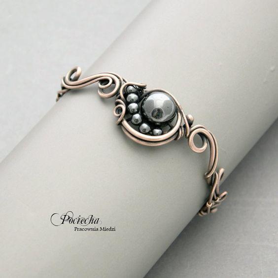 Comet - hematite bracelet