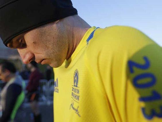 Corridas acontecem nos EUA em tributo a vítimas de Boston | Grupos correm em Indiana e Columbia no sábado (20) e no domingo (21). Azul e amarelo foram as cores escolhidas para lembrar vítimas de Boston. http://mmanchete.blogspot.com.br/2013/04/corridas-acontecem-nos-eua-em-tributo.html#.UXLUl7VQGSo