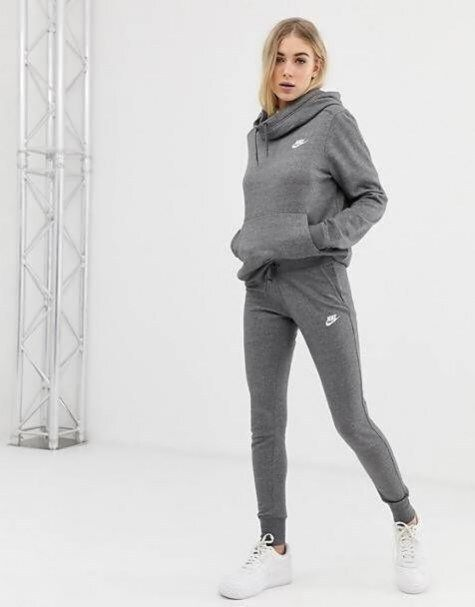 Nike club grey sweatpants in 2020 | Tracksuit women, Grey ...