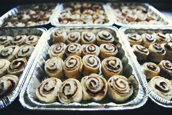 Pioneer Woman's Cinnamon Rolls are the very best! Recipe @Wendy Felts Felts Felts Werley-Williams.Pioneerwoman.com  Great Christmas gifts<3