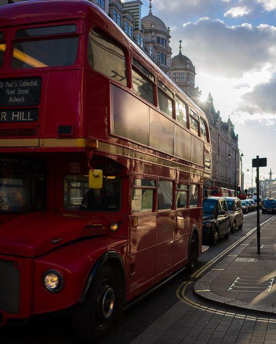 #Strand || Shot by @ed_norton  Happy Friday everyone!  // #thisislondon #yehbaby  by london