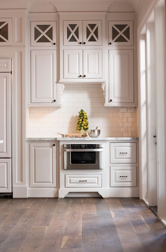 Simple white sw7021 sherwin williams sherwin williams sw for Simple white kitchen designs