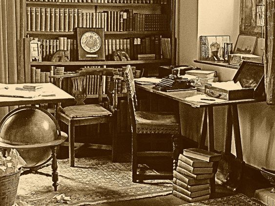 Rudyard Kipling's Desk | Flickr - Photo Sharing! -- License: Copyright All rights reserved by cazjane97