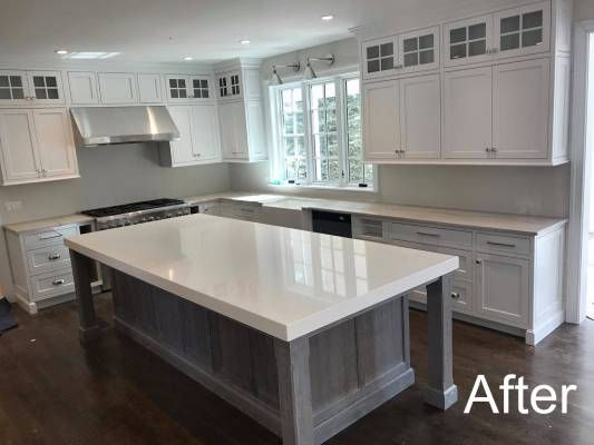 This Kitchen Features Zermatt Quartzite On The Perimeter Q S Snow White Quartz With A 3 Mitered Edge Build Up On The Isla Kitchen Remodel Kitchen Countertops