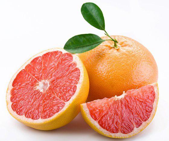 Les pépins de ce fruit au goût amer sont connus pour leur capacité à combattre les infections. Selon une étude récente, consommer entre 5 et 6 pépins de pamplemousse chaque 8 heures durant 2 semaines pourrait être efficace lors du traitement de l'infection des voies urinaires.