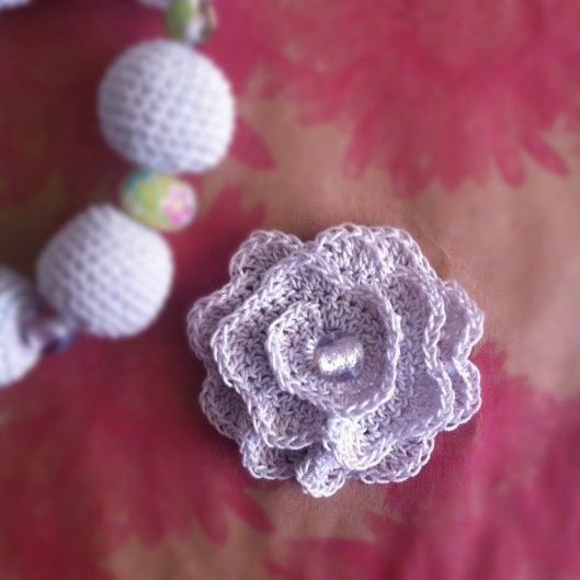 We love this fantastic blog post from the wonderful Crochetime. Check out that lovely lilac rose!