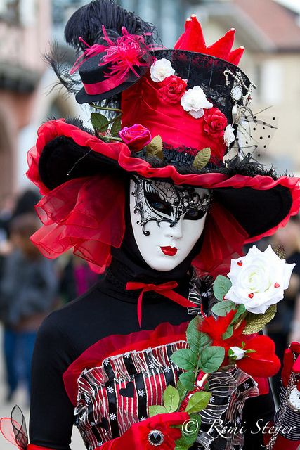 I love this! Someday I ~will~ go to Carnival Venice #bucketlist