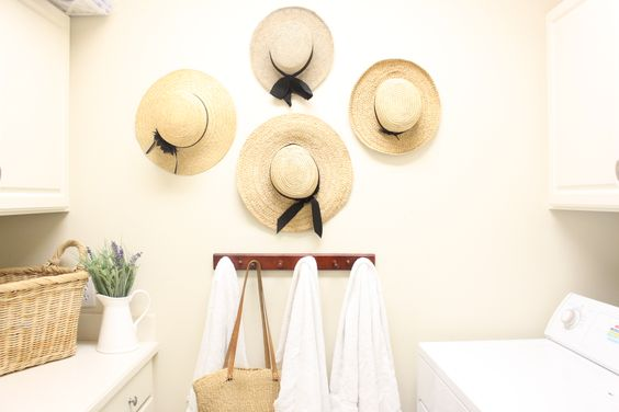Beach hat decor